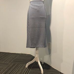 New York & Company skirt /size 14 /white and blue